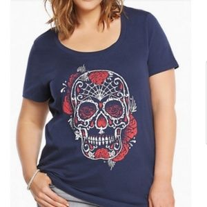 Torrid navy tee skull print size